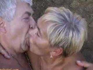 Granny engulfing rods
